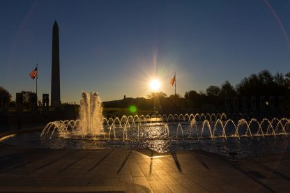 WWII fountain with Washington Monument