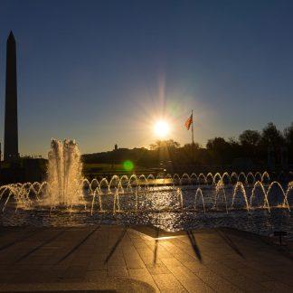 WWII fountain with Washington Monument